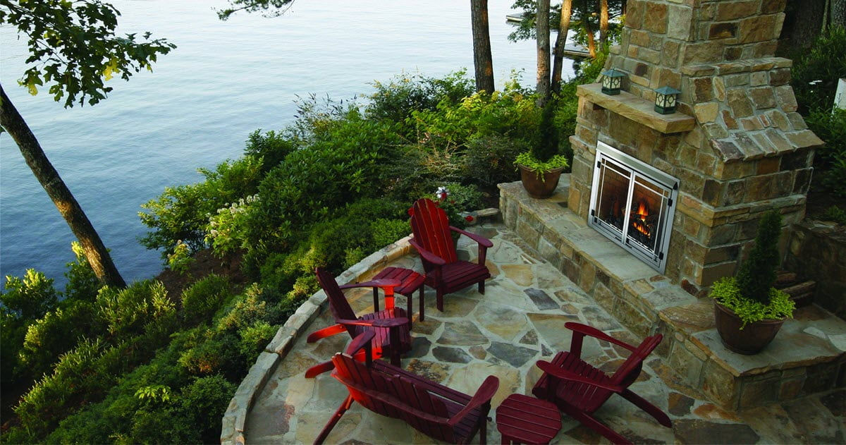 The Hottest Trends In Outdoor Fireplaces
